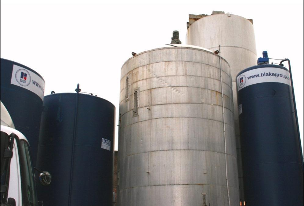 Mixing tanks